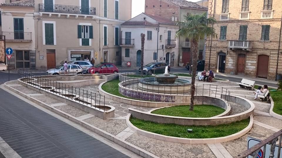 Palazzo di prestigio con corte, giardino e terrazzo in pieno centro