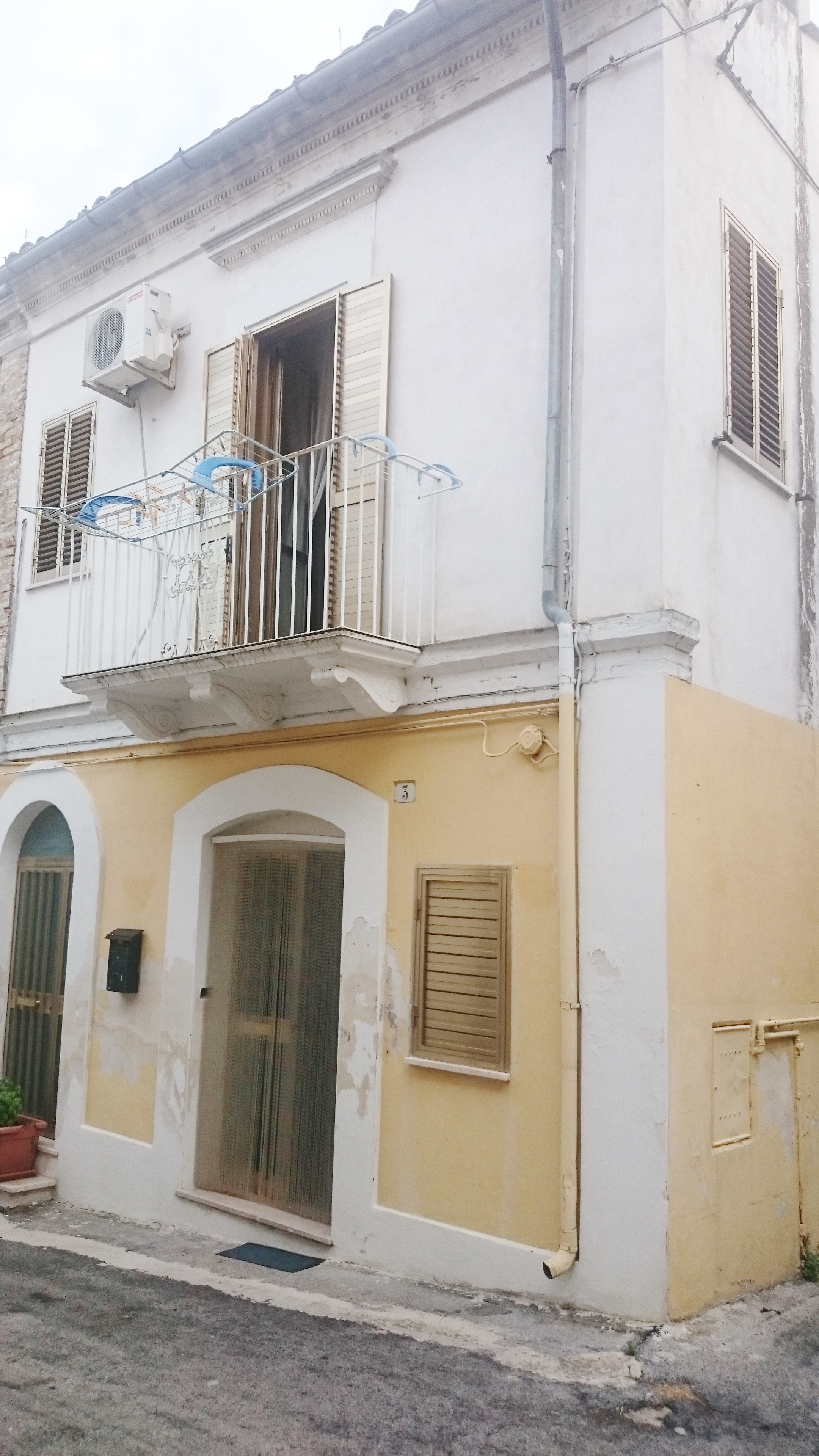 Graziosa casa ristrutturata in zona centrale