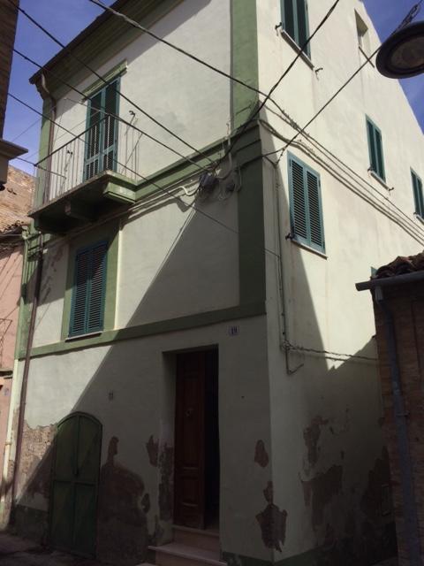Casa singola in pieno centro di 130 Mq da ristrutturare